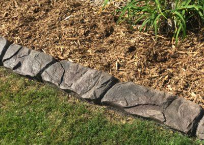 Lawn_rocks